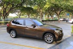 Brown bmw x1 sdrive 18i samochód Zdjęcia Royalty Free