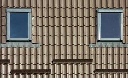 Brown couvre des détails de construction d'éléments de fenêtres Photographie stock libre de droits