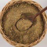 Brown cukier Mascavo w koszykowym pucharze fotografia stock