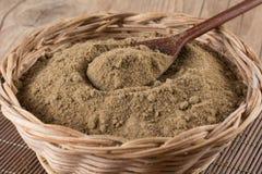 Brown cukier Mascavo w koszykowym pucharze zdjęcia stock