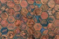 Brown deckt Muster mit Ziegeln Stockbilder