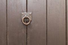 Brown_door_vertical_stripes-4 Photographie stock libre de droits
