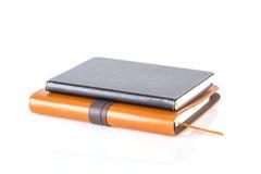 Brown e livros de couro pretos do diário Imagem de Stock Royalty Free