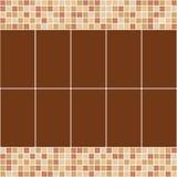 Brown e mosaico beige della piastrella di ceramica nella piscina Immagini Stock Libere da Diritti