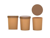 Brown esconde el envase de plástico de la comida de la tina que empaqueta con el recortes Fotos de archivo