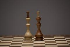 Brown et chiffres blancs sur le bureau d'échecs Image stock