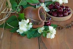 brown gliniany dzbanek Fotografia Royalty Free