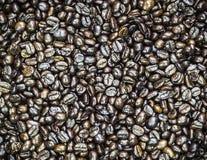 Brown ha arrostito i chicchi di caffè fotografie stock libere da diritti