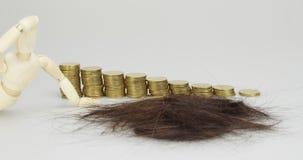 Brown-Haarausfallproblem- und -schrittGoldmünze-Zeitspanne stock footage