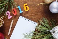 Brown-Hintergrund über guten Rutsch ins Neue Jahr 2016 Stockbilder