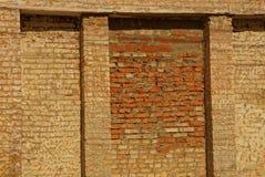 Brown kamienia tekstura od starej ściany z cegieł zdjęcia royalty free