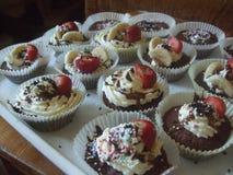 Brown-kleine Kuchen Lizenzfreie Stockfotografie