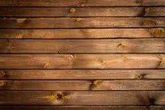 Brown malte hölzerne Wand Lizenzfreie Stockbilder