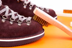 Free Brown Man Suede Boots With Brush. Macro. Clean Shoes Royalty Free Stock Photos - 104461308