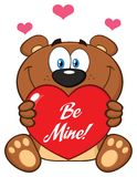 Brown mignon Teddy Bear Cartoon Mascot Character tenant Valentine Love Heart With Text soit moi Illustration Stock