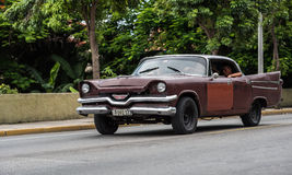 A brown Oldtimer in Cuba Royalty Free Stock Photos
