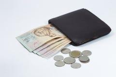 Brown portfel z Tajlandzkim banknotem i monetami Obrazy Royalty Free