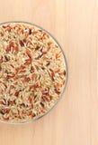 Brown ryż w spodeczku Zdjęcia Royalty Free