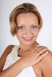 brown synat finger henne cirkelwhitekvinna arkivbild