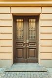 Brown-Tür Lizenzfreie Stockbilder