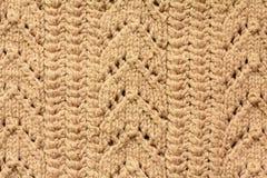 Brown a tricoté le fond de laine Photos stock