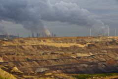 Brown węgiel - Odkrywkowy kopalnictwo Garzweiler (Niemcy) Zdjęcie Royalty Free