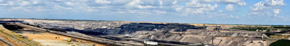 Brown węgla odkrywkowy kopalnictwo obraz stock