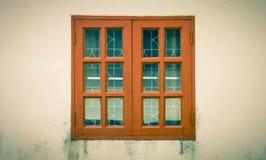 Brown Windows rama na Grunge tła rocznika stylu Obrazy Royalty Free