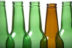 Brown y botellas verdes Fotografía de archivo libre de regalías