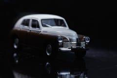 Brown y coche blanco de la vendimia Fotos de archivo