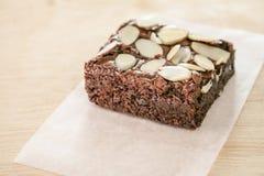 Brownie σοκολάτας με το αμύγδαλο στοκ εικόνες με δικαίωμα ελεύθερης χρήσης