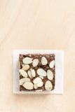Brownie σοκολάτας με το αμύγδαλο στοκ εικόνα