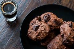 Brownie Chocolate Cookies avec l'expresso Photos libres de droits