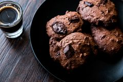 Brownie Chocolate Cookies med espresso Arkivbild