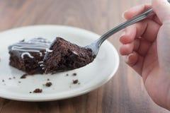 'brownie' de fondant de chocolat sur une fourchette. Image libre de droits