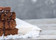 'brownie' de potiron de chocolat avec des tranches de chocolat Images libres de droits