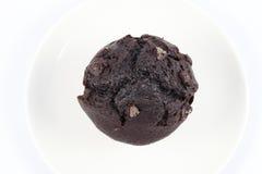 Brownie del chocolate en una placa blanca Imágenes de archivo libres de regalías
