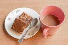 'brownie' et café Images libres de droits