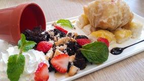 'brownie' et crème glacée frite Photographie stock libre de droits