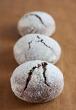 Brownie krinkle μπισκότα Επιδόρπιο σοκολάτας Στοκ εικόνες με δικαίωμα ελεύθερης χρήσης