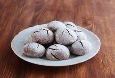 Brownie krinkle μπισκότα Επιδόρπιο σοκολάτας Στοκ Φωτογραφίες