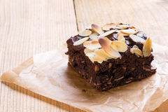 Brownie met amandel Stock Foto