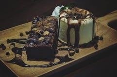 Brownie met roomijs Stock Fotografie