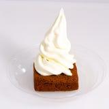 Brownie natural del helado del yogur de la vainilla Imagen de archivo libre de regalías