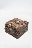 Brownie saporiti del cioccolato su fondo bianco fotografia stock