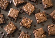 Brownies caseiros do chocolate fotografia de stock royalty free