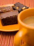 Brownies e café Fotografia de Stock