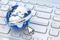 browser Concepto del Internet Tierra en el teclado del ordenador portátil ilustración del vector