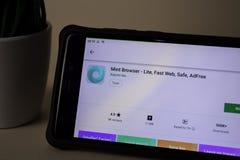 Browser della menta - Lite, web veloce, cassaforte, applicazione dello sviluppatore di Adfree sullo schermo di Smartphone immagine stock