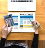 Browser van het GEBRUIKERSINTERFACEGlobaal Adres Internetwebsiteontwerp zo stock foto